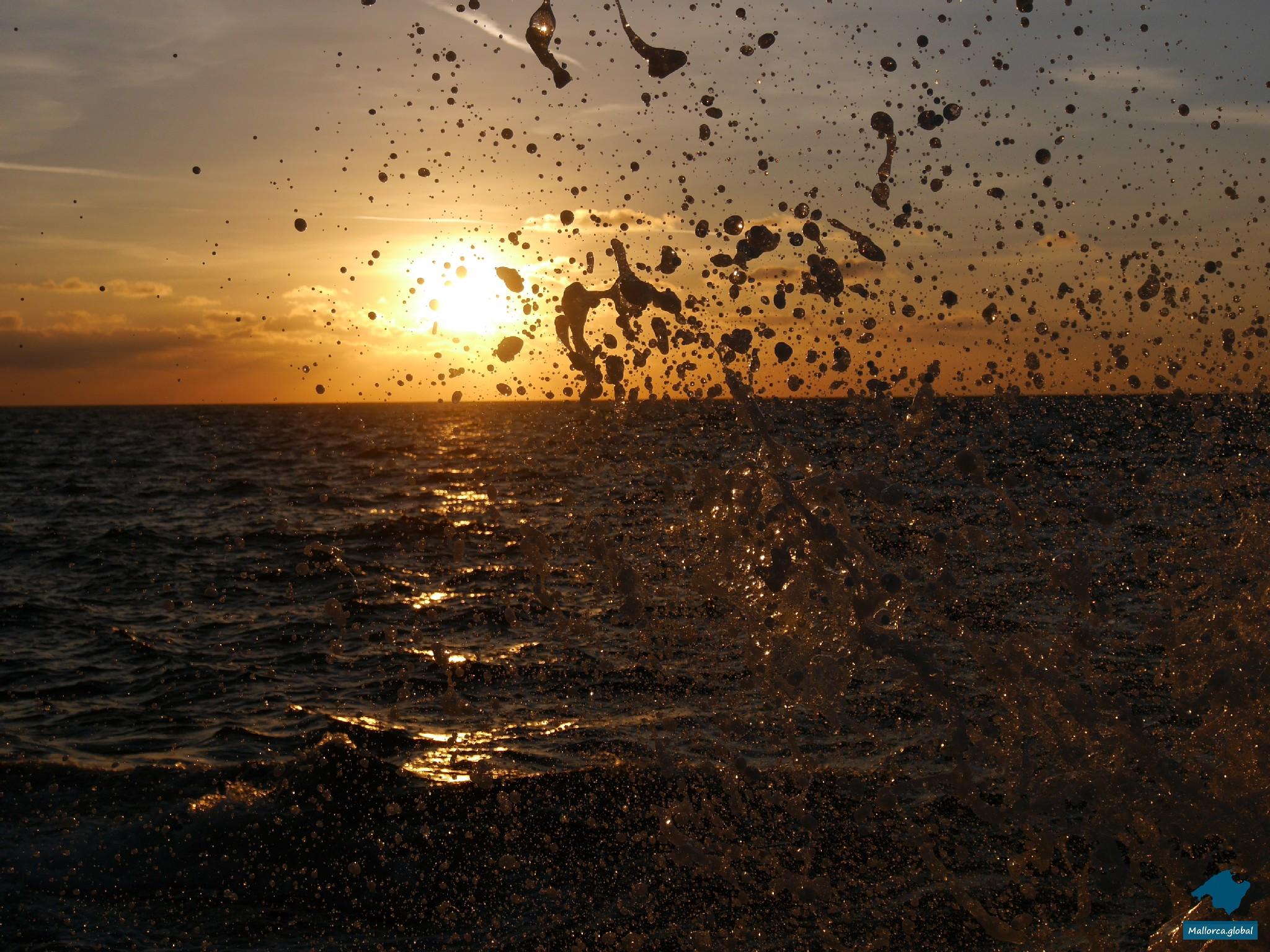 Gischt im Sonnenuntergang