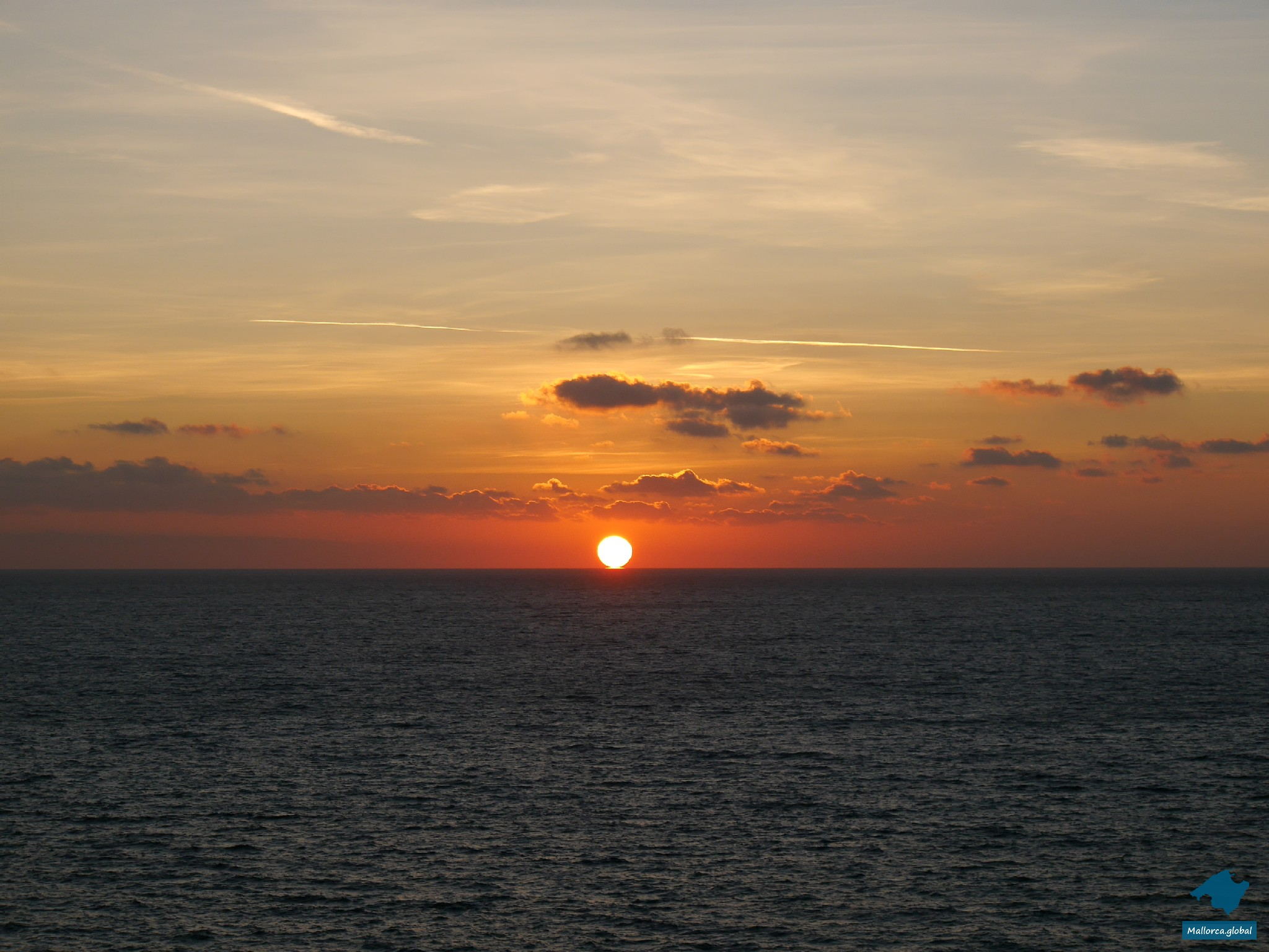 Sonne berührt das Meer